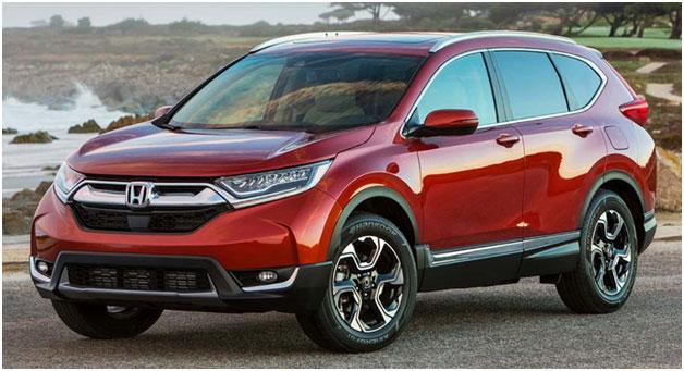 Комфортный и надежный кроссовер Honda CR-V. Автомобиль прекрасно оснащен внутри, что делает его очень удобным для всех пассажиров.