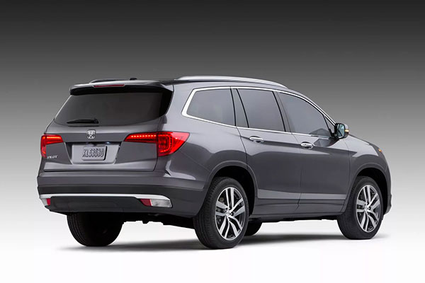 Современная Honda внешне похожа на другие автомобили этого концерна