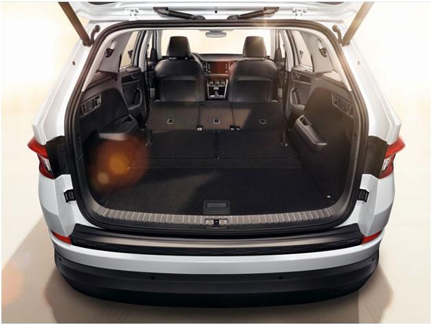 При складывании задних сидений размер по своим размерам багажник ŠKODA KODIAQ может соперничать с микроавтобусами